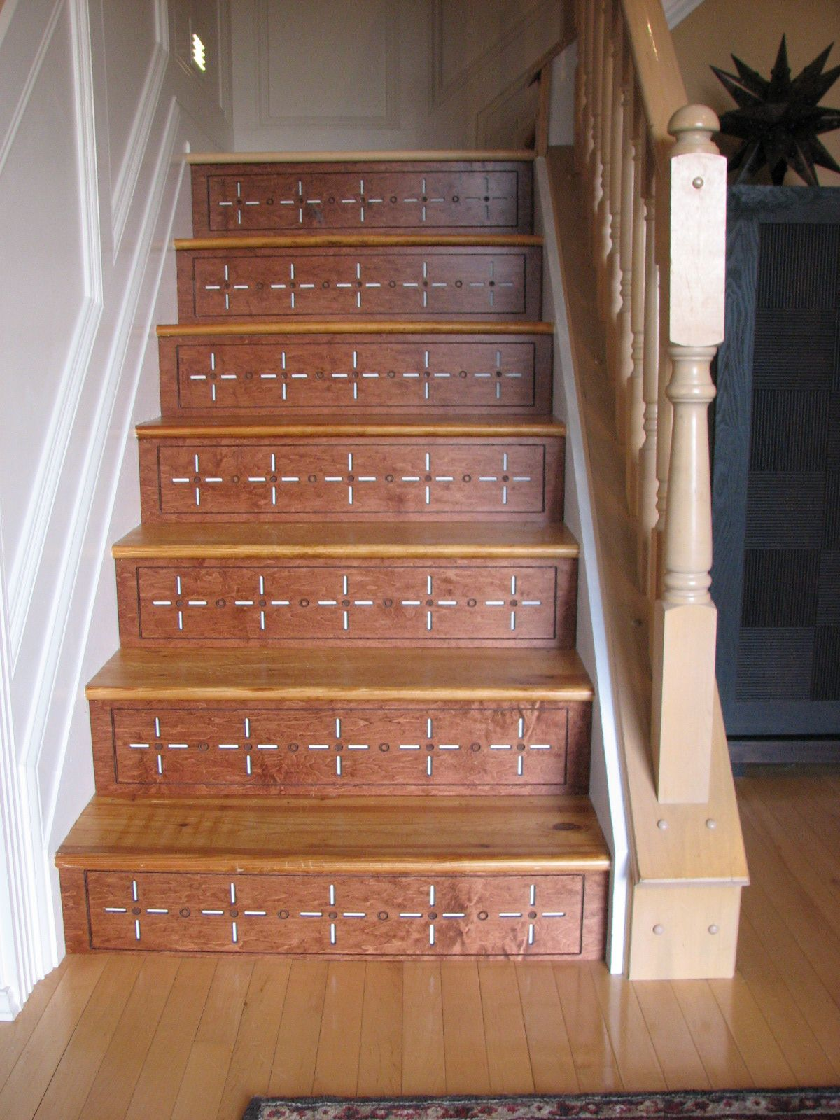 Best Diyers Transform Their Stairs With Hardwood Decorative Stair Risers Plus What Dramatic 400 x 300