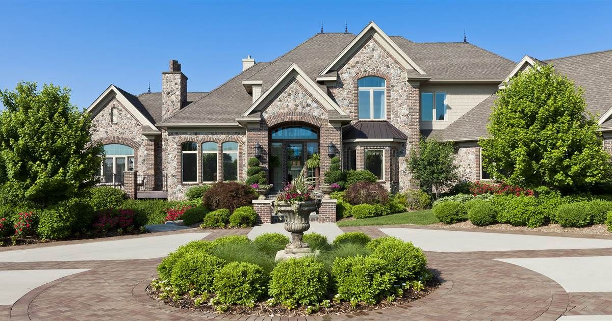 Living In A Bigger House Won T Make You Happier But This Will Mansions Dream House Exterior Luxury Homes Dream Houses