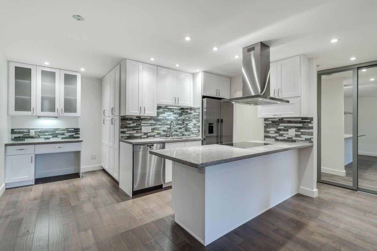 Best Interior Designers Make Great Kitchen And Bath Remodeling 400 x 300