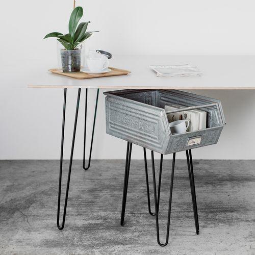 pin von die welt der kleinen dinge auf wohn esszimmer tisch schreibtisch und m bel. Black Bedroom Furniture Sets. Home Design Ideas
