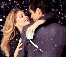Google Image Result for http://favim.com/mini/201107/03/box-christmas-couple-doutzen-kroes-engagement-snow-92939.jpg