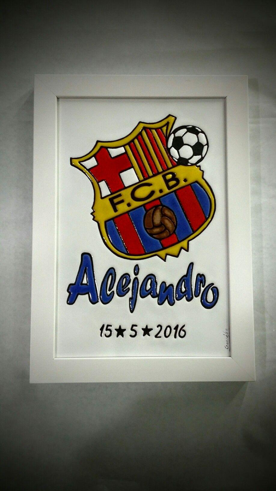 Cuadro de cerámica. Escudo F.C. Barcelona con nombre. Regalo para niños con  escudo de fútbol y nombre. Cerámica personalizada. Cerámica pintada a mano. ef870719604