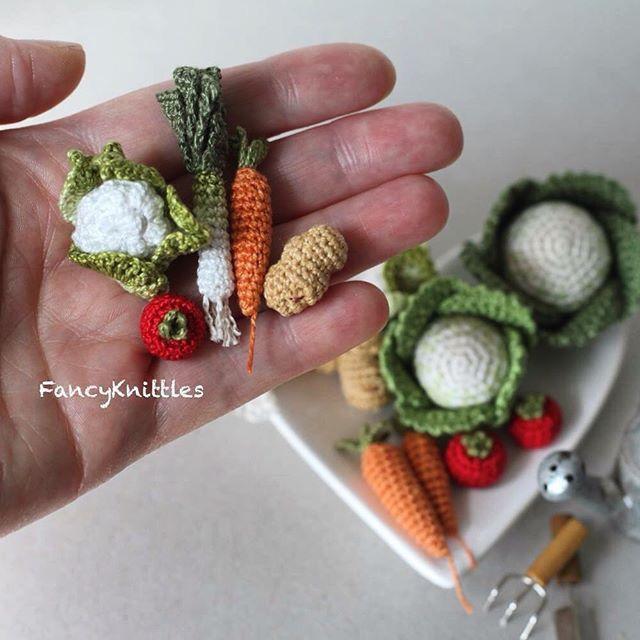 Pin de Debra McCloud en CROCHET MINI\'S | Pinterest | Comida ...