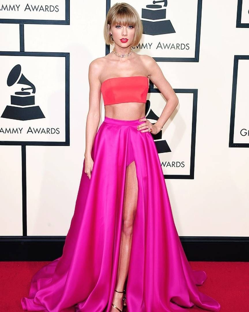@taylorswift killing it per usual on the Grammy's red carpet & wearing our favorite colors  #werk #everydayIBT by inspiredbythis