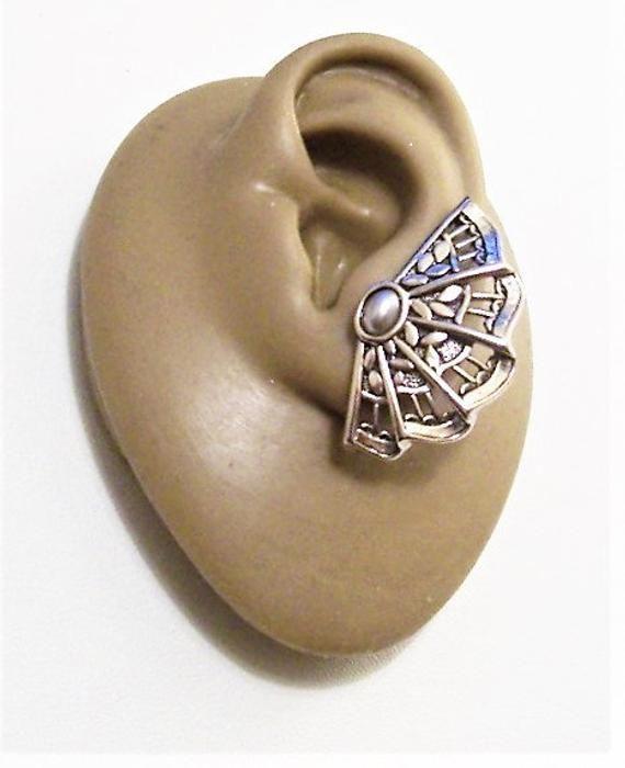 3224efd63 Avon Grey Pearl Fan Pierced Post Stud Earrings Silver Tone Vintage Motif  Ribbed Folds Oval Domed