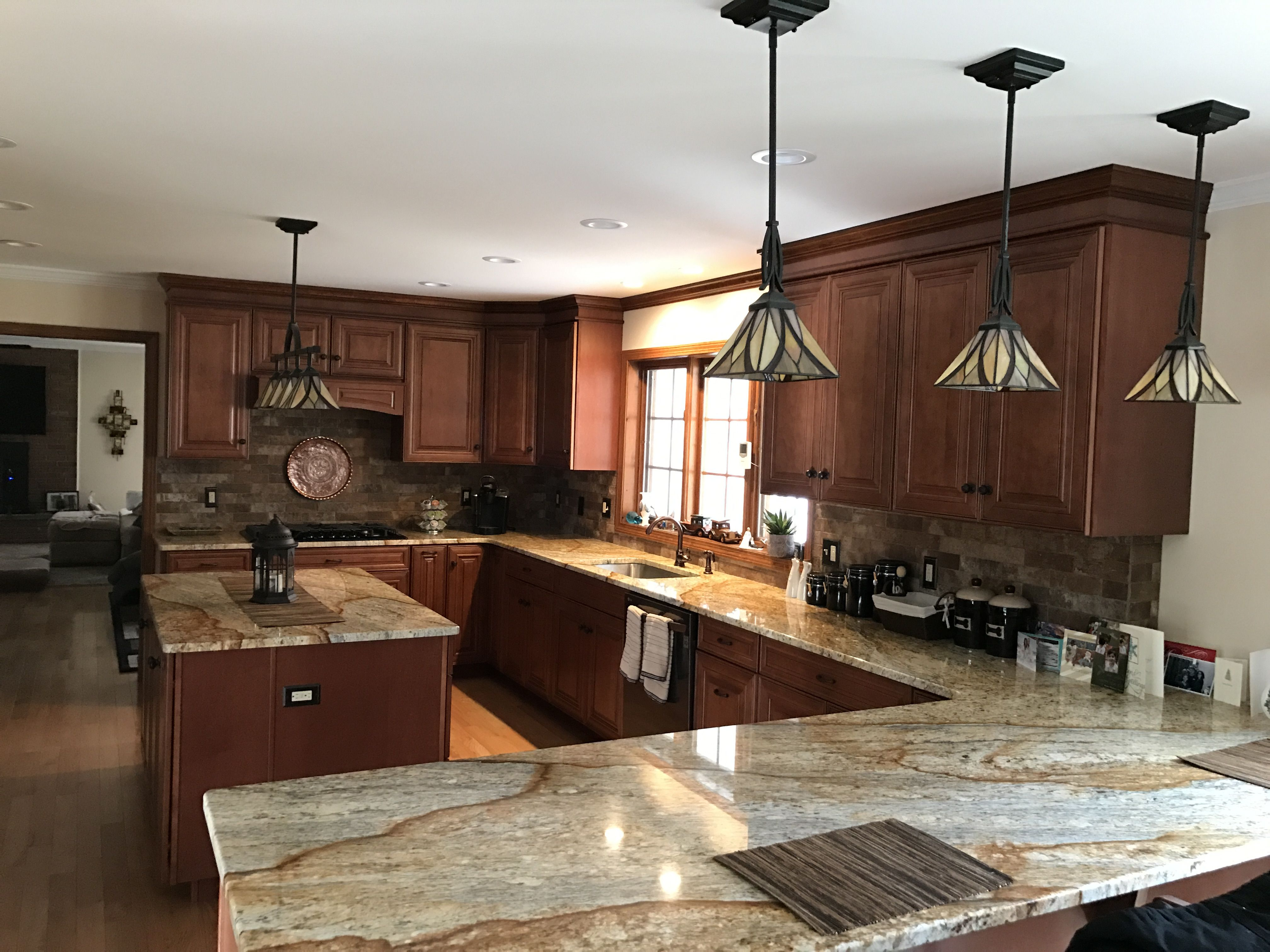 This Kitchen Was Also Expertly Designed By The Owner Of Curtiss Woodworking Kitchen And Bath Des Woodworking Kitchen Cabinets Kitchen Inspirations Kitchen Redo