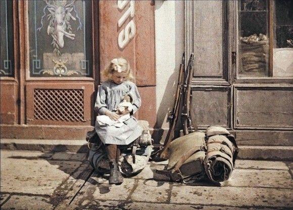 オートクローム技法によるカラー写真でみる100年前のフランスの人物と景色