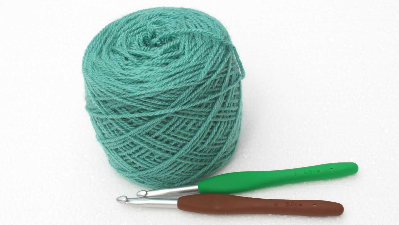 A free (photo tutorial) crochet pattern of a shell stitch blanket ...