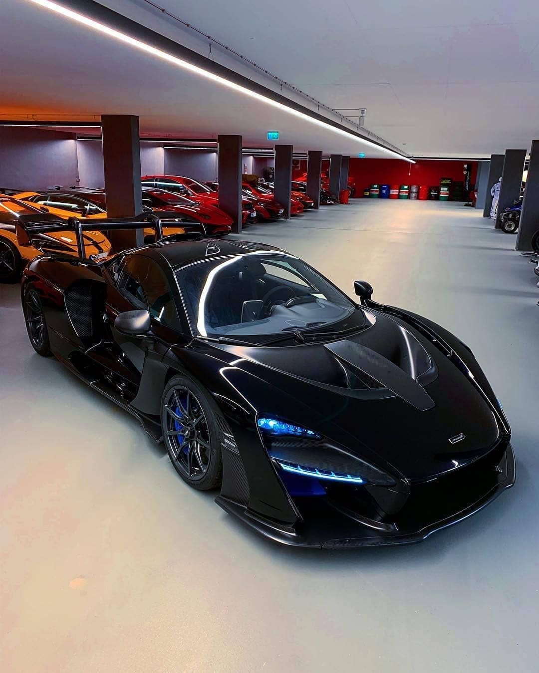 Dark Senna Matter Name 3 Better Hypercars Follow Supercarsbuzzitalia If You Are Italian Too Super Cars New Mclaren Car