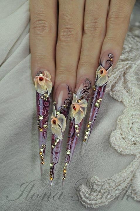 Acrylic flowers on nails
