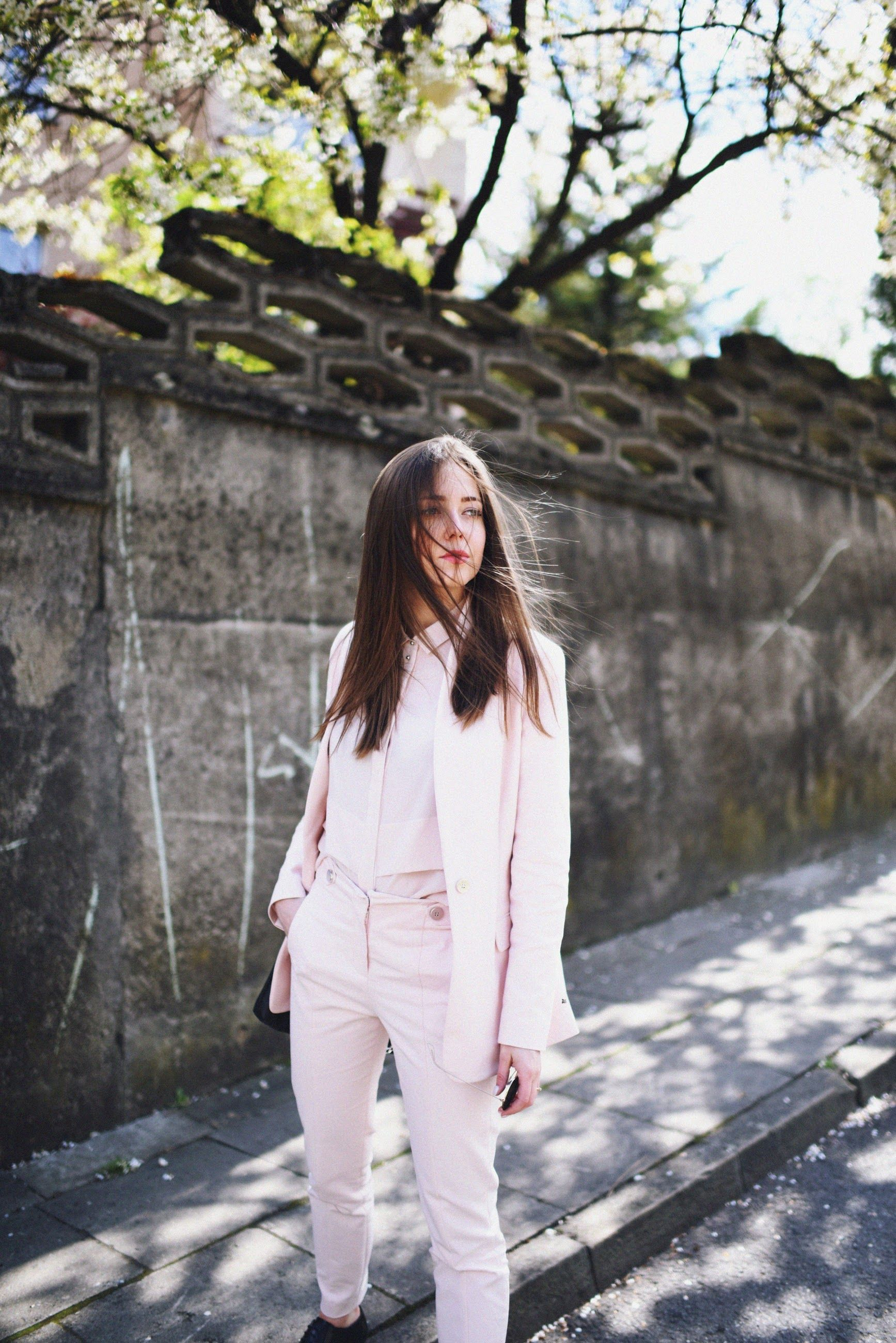 Jestem Kasia / Light pink suit //  #Fashion, #FashionBlog, #FashionBlogger, #Ootd, #OutfitOfTheDay, #Style