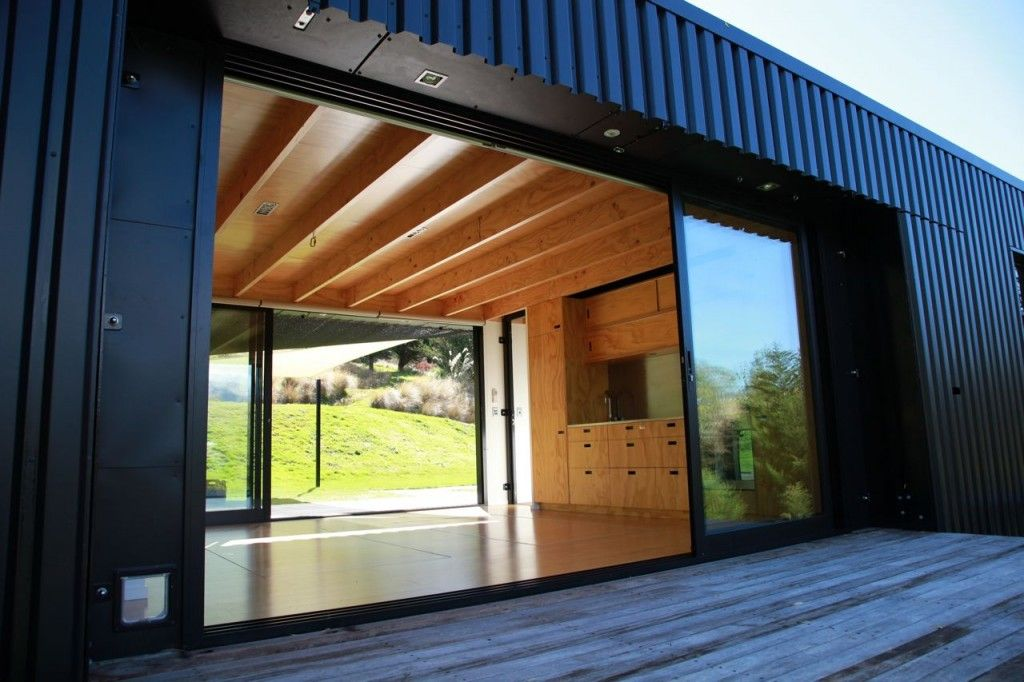 Steel frame transportable prefab home, New Zealand: Modern prefab ...