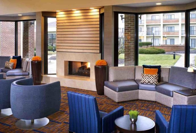 The Courtyard By Marriott In Carmel Is Newly Renovated And Now Includes 149 Rooms An Indoor Pool Whirlpool Heath Cl Outdoor Furniture Sets Hotel Indoor Pool