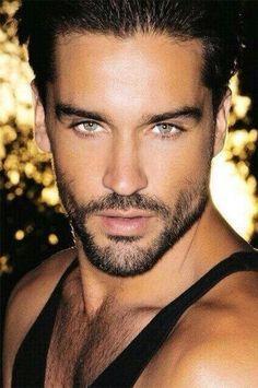 Pin Von Marce Quin Auf Beautiful Faces Schöne Grüne Augen Wunderschöne Augen Gutaussehende Männer