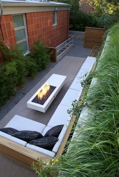 Townhomes Patio Firepit Ideas Narrow Backyard
