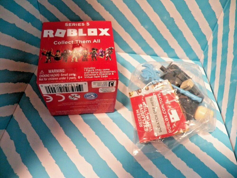Roblox Toy List Season 5 Roblox Series 5 Figure Hexaria Elite Mage With Code Jazwares Roblox Mage Coding