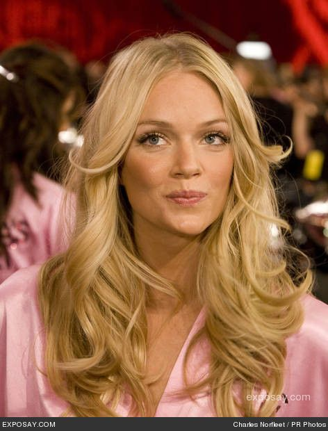 60 Victoria Secret S Models Hairstyles For Your Pinterest Board