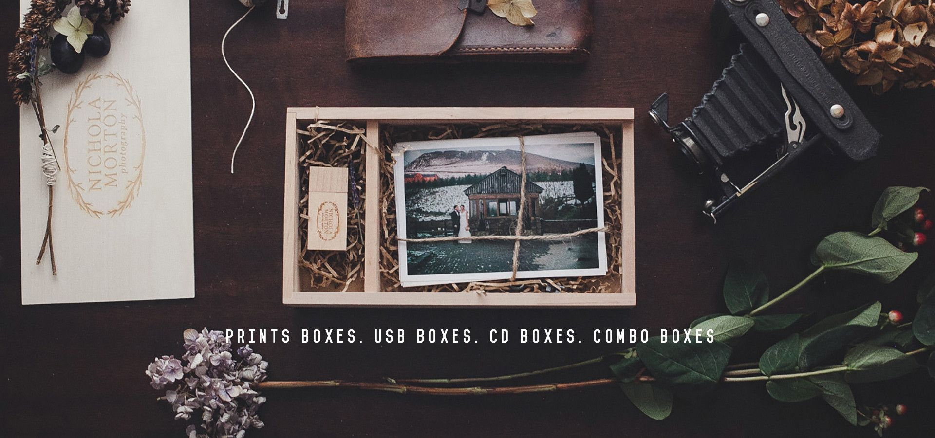 Packaging for photographers. Personalized wooden boxes for photographers. Great packaging ideas.