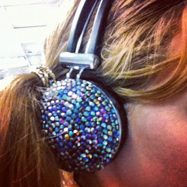 One of our fashion writers got herself some seriously bling headphones! #topshop #hqgirls #bling