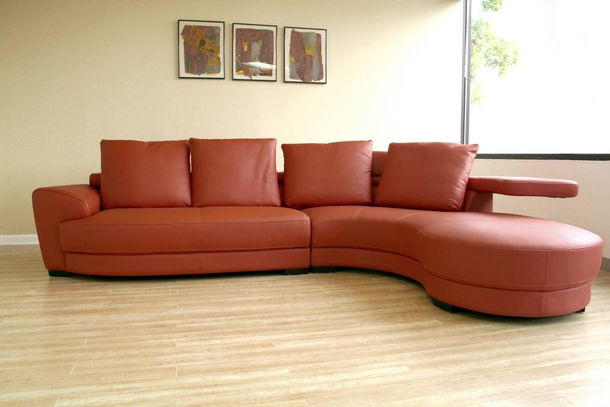 - The Incredible Effect Of A Curved Leather Sofa Upon Your Apartment