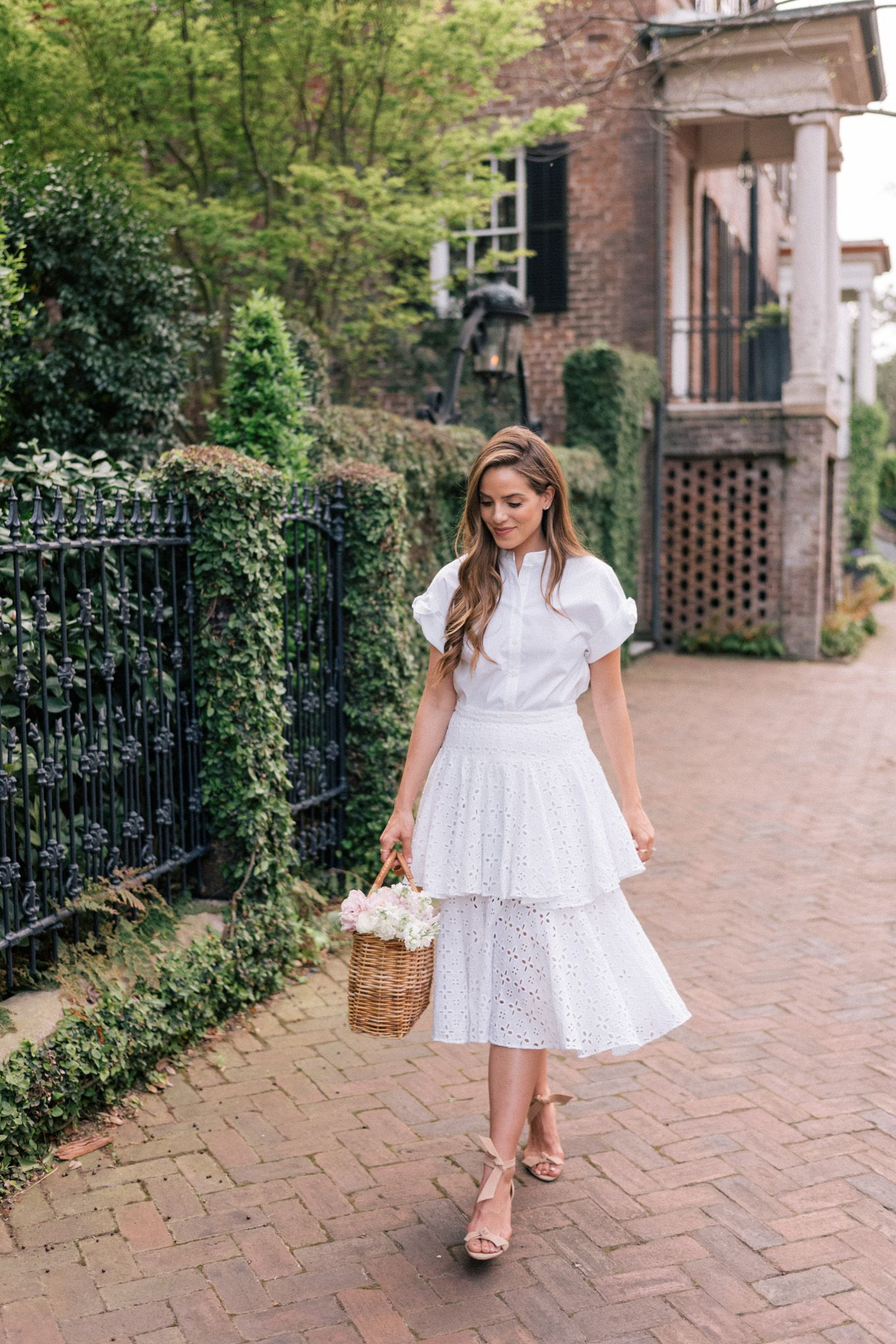 The Best of Spring Skirts - Gal Meets Glam #springskirtsoutfits