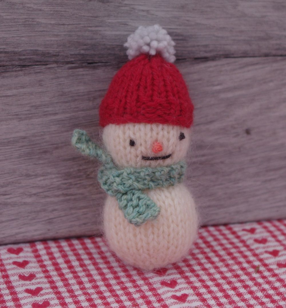 21 Little Christmas Knits pattern by Fiona Goble | Christmas ...