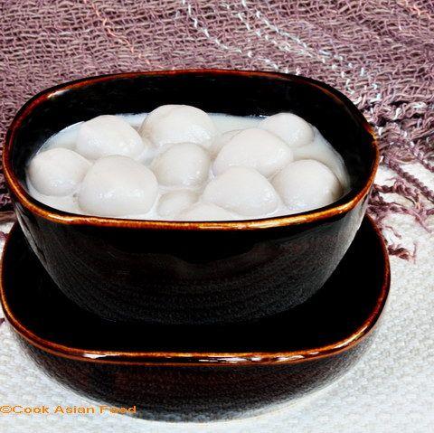 Coconut Milk Dessert with Taro Pearls