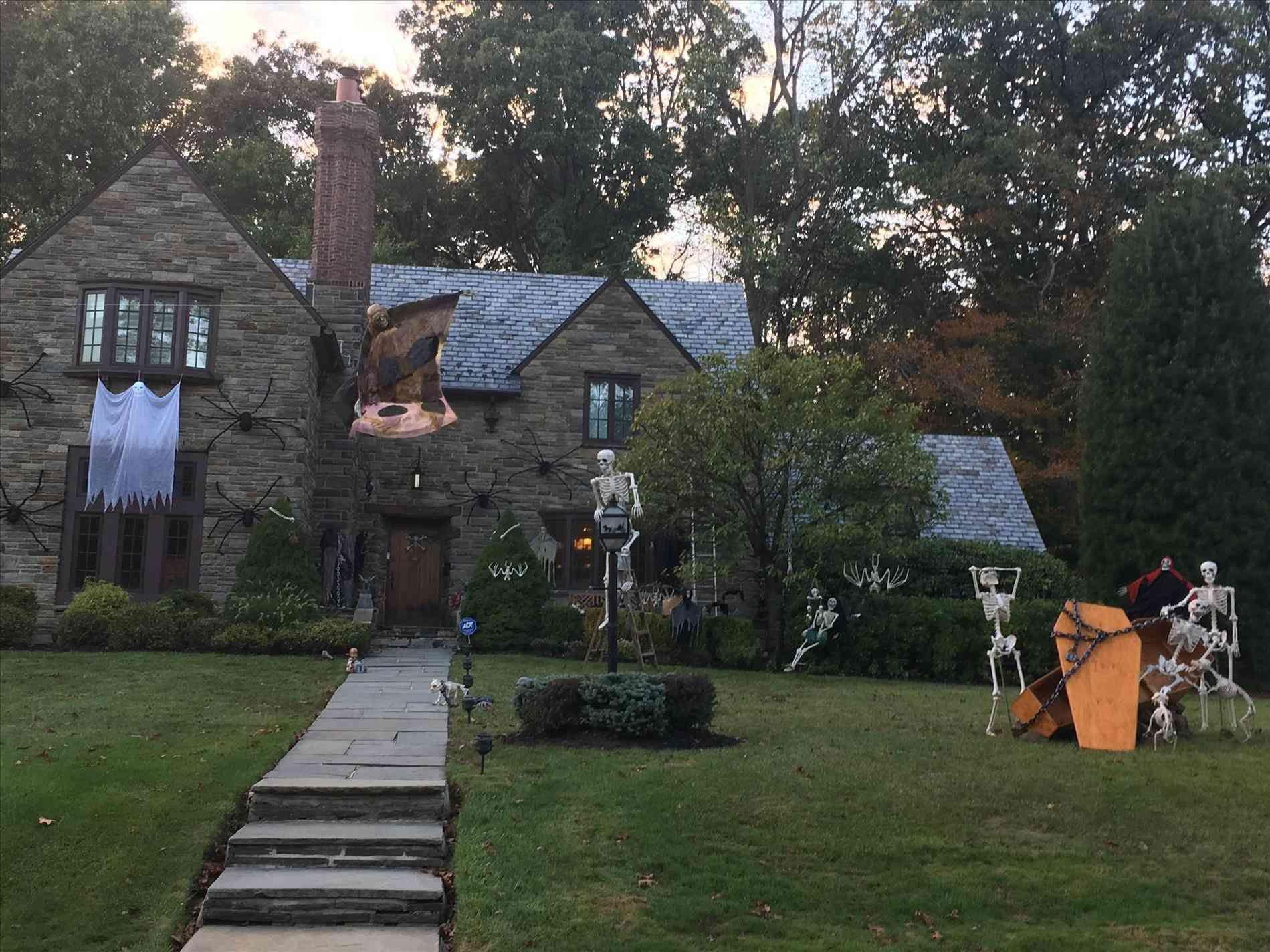 best halloween yard decorations   home ideas   pinterest   home