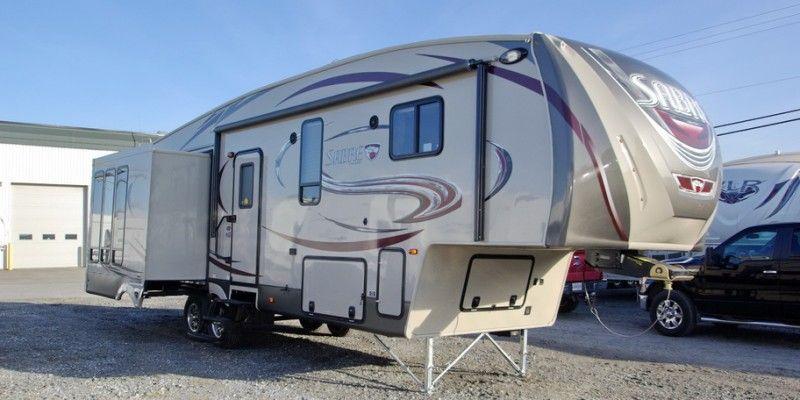 SABRE F32RCTS - Couleur intérieure Mocha, poids 9810 lbs; longueur