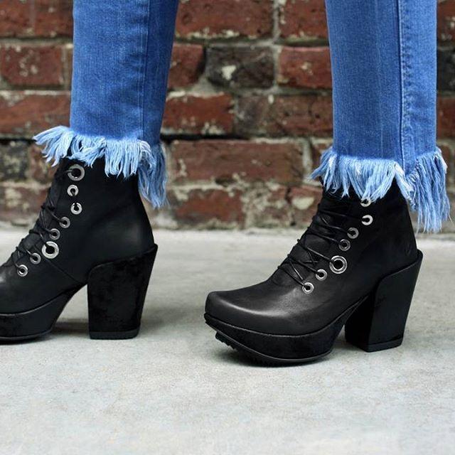 Next Boots Noir Taille 6.5 Bottines en cuir avec boucles Casual Everyday Soirᄄᆭe-afficher le titre d'origine