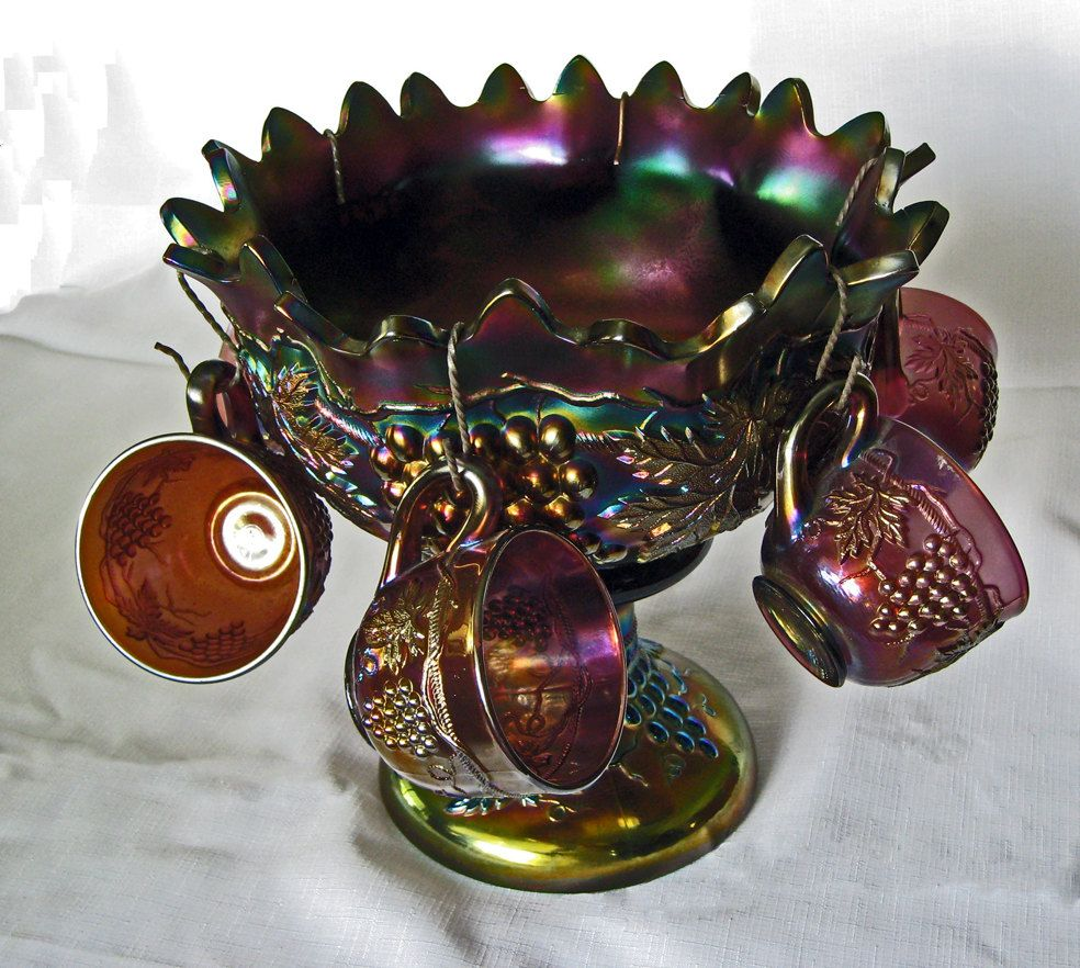 Vintage northwood carnival glass punch bowl grape and cable vintage northwood carnival glass punch bowl grape and cable pattern with 6 matching cups reviewsmspy