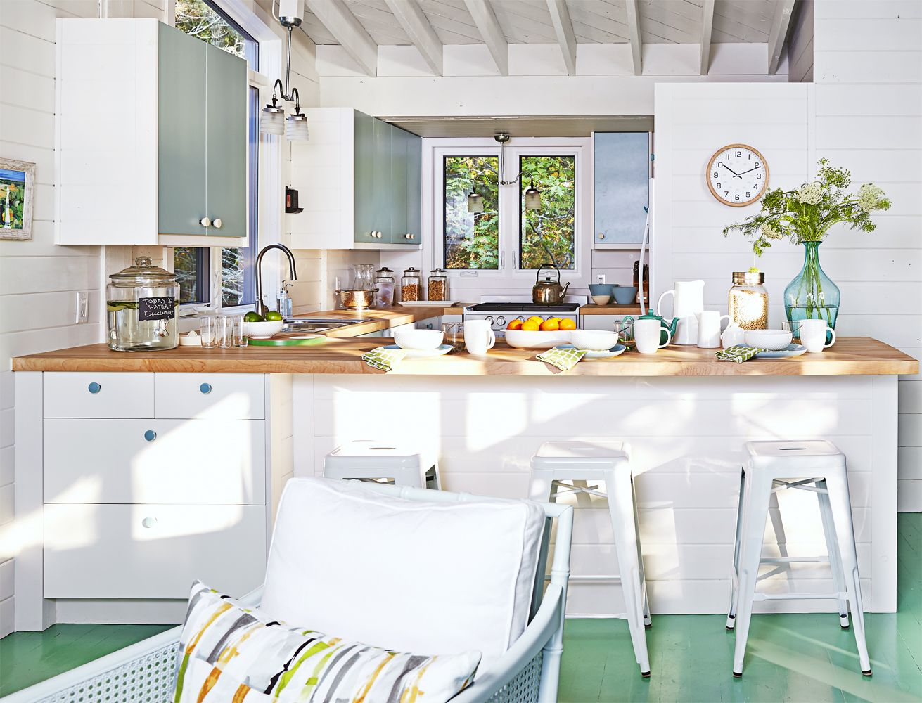 A Dated Lake House Gets A Modern Rustic Makeover Sarah Richardson Green Country Kitchen Beach House Kitchens
