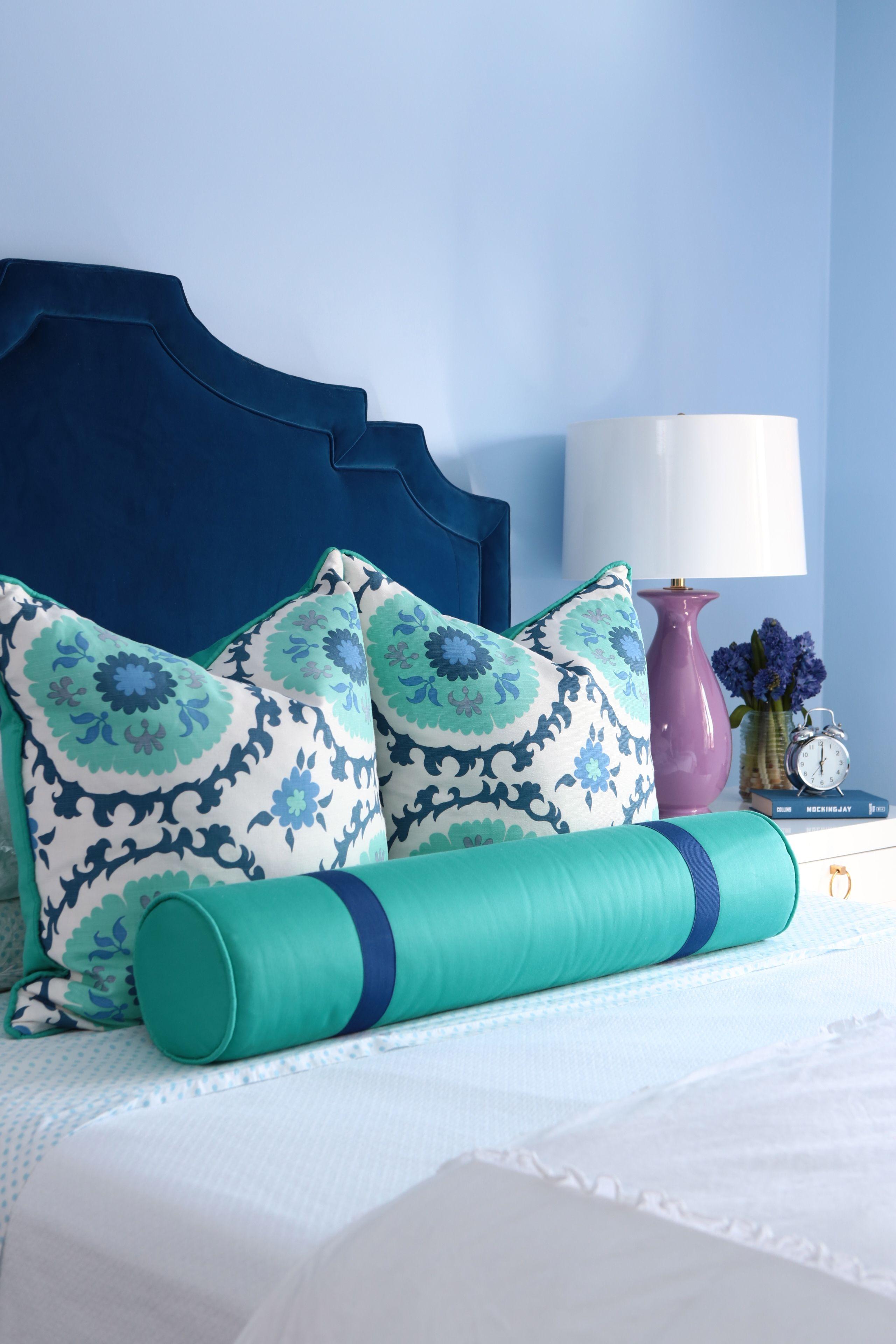 Lovely Bedroom : Kravet Cobalt Blue Velvet Upholstered