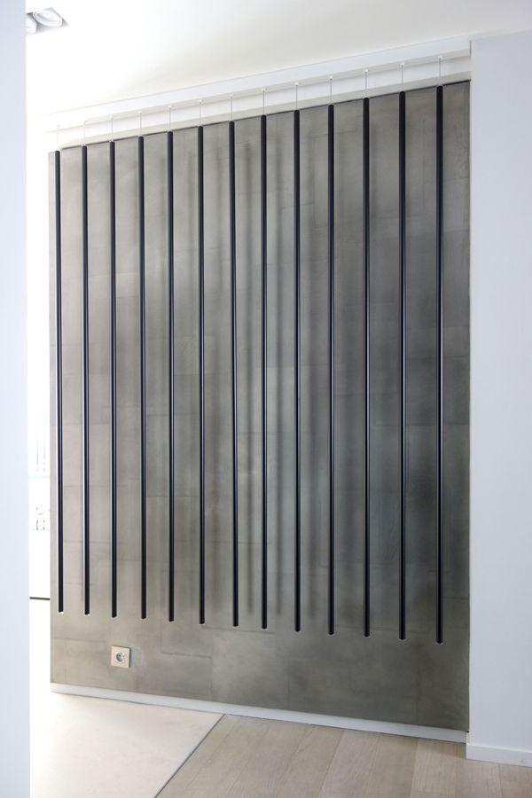 Néons sur décor en Etain (métallisation à froid), architectes Bismut&Bismut, réalisation l'Atelier du Mur