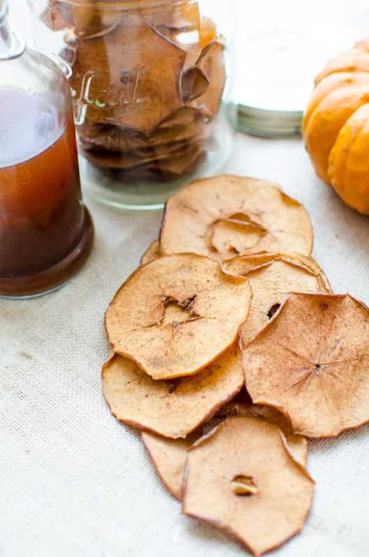 Pumpkin Spice Apple Chips. Crispy apple chips without a dehydrator!