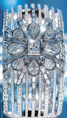 Chanel Diamond cuff. beauty bling jewelry fashion