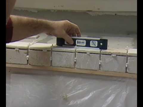 Cómo instalar losas en un mostrador de cocina con fregadero ...