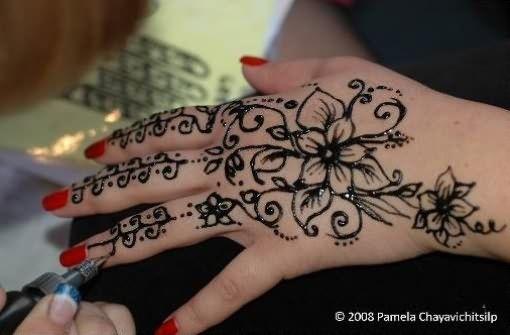 Cute Mehndi Tattoo : Cute henna tattoos on hand cool hennas