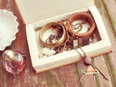 8 More Wonderful DIY Book Crafts ...