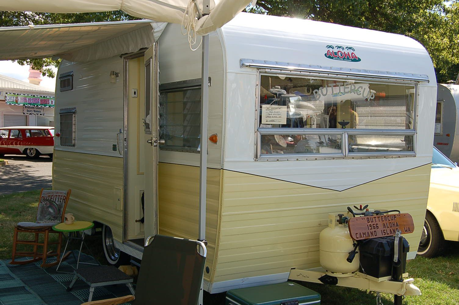 Vintage Aloha Trailer Pictures And History From Oldtrailer Com Vintage Aloha Vintage Camper Interior Tiny Camper Trailer