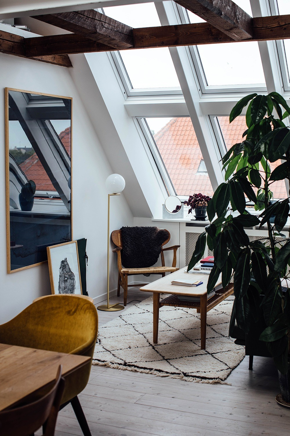 Tumblr Is A Place To Express Yourself Discover Yourself And Bond Over The Stuf In 2020 Living Room Scandinavian Living Room Decor Apartment Apartment Interior Design