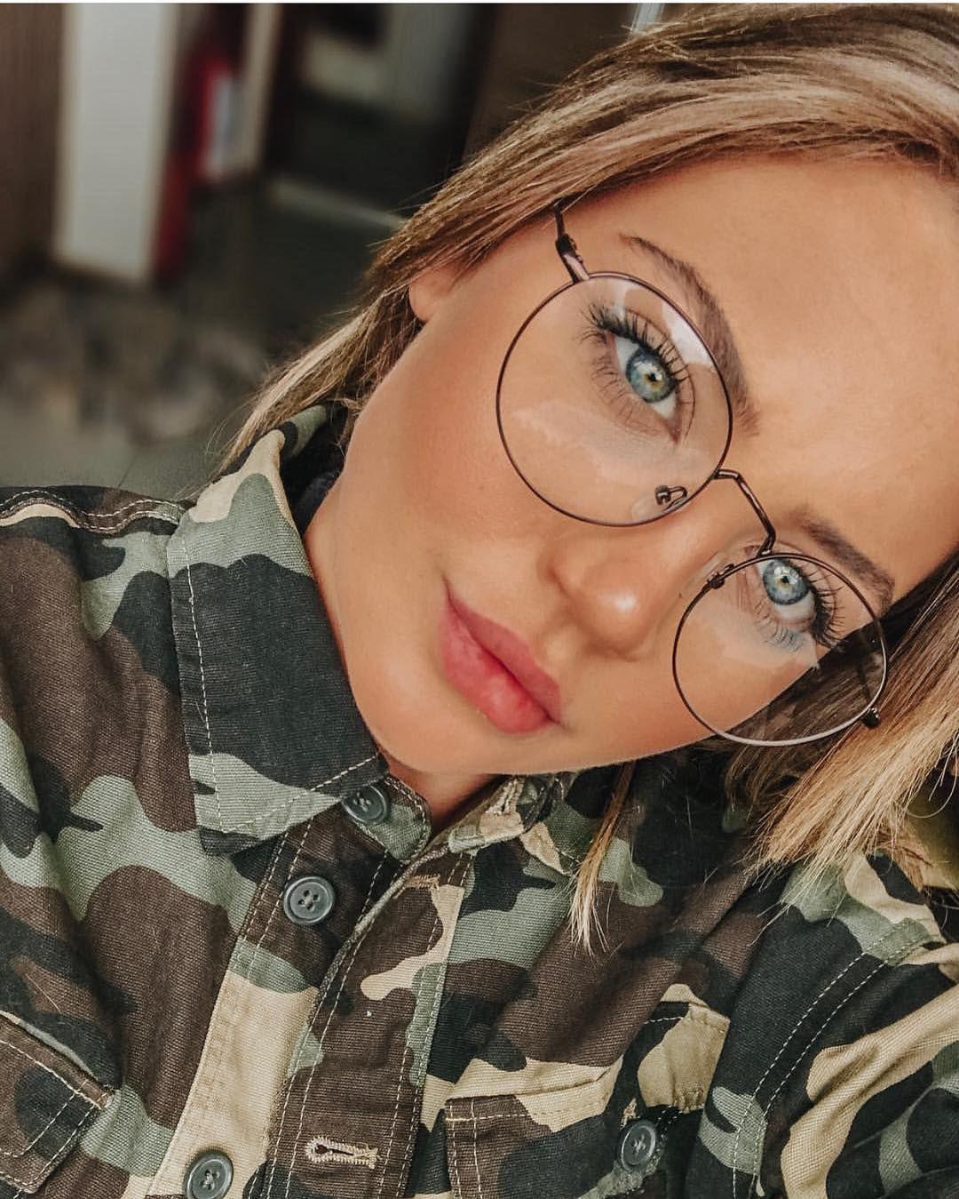 Pin De Evelina Em Kruglye Ochki Em 2020 Oculos Para Rosto Redondo
