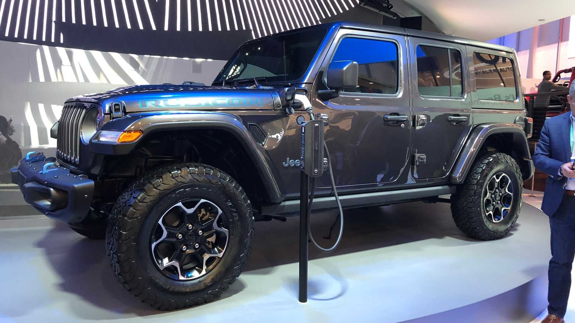 The Jeep Wrangler 4xe Is One Of The Three Plug In Electric Vehicles That Debuted At Ces 2020 In 2020 Jeep Wrangler Jeep Wrangler
