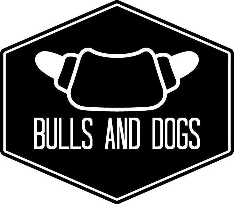 Van ondergewaardeerd fastfood naar overheerlijk ambachtelijk Soulfood. Bulls & Dogs zet de hotdog weer op een voetstuk en maakt hem meer Funky dan ooit. | www.bullsanddogs.com