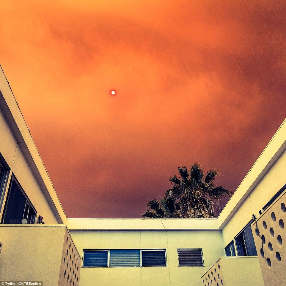 Smoke And A Layer Of Ash Cover Los Angeles As 20,000 Acre
