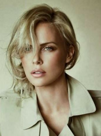 Who is charlize theron hookup now