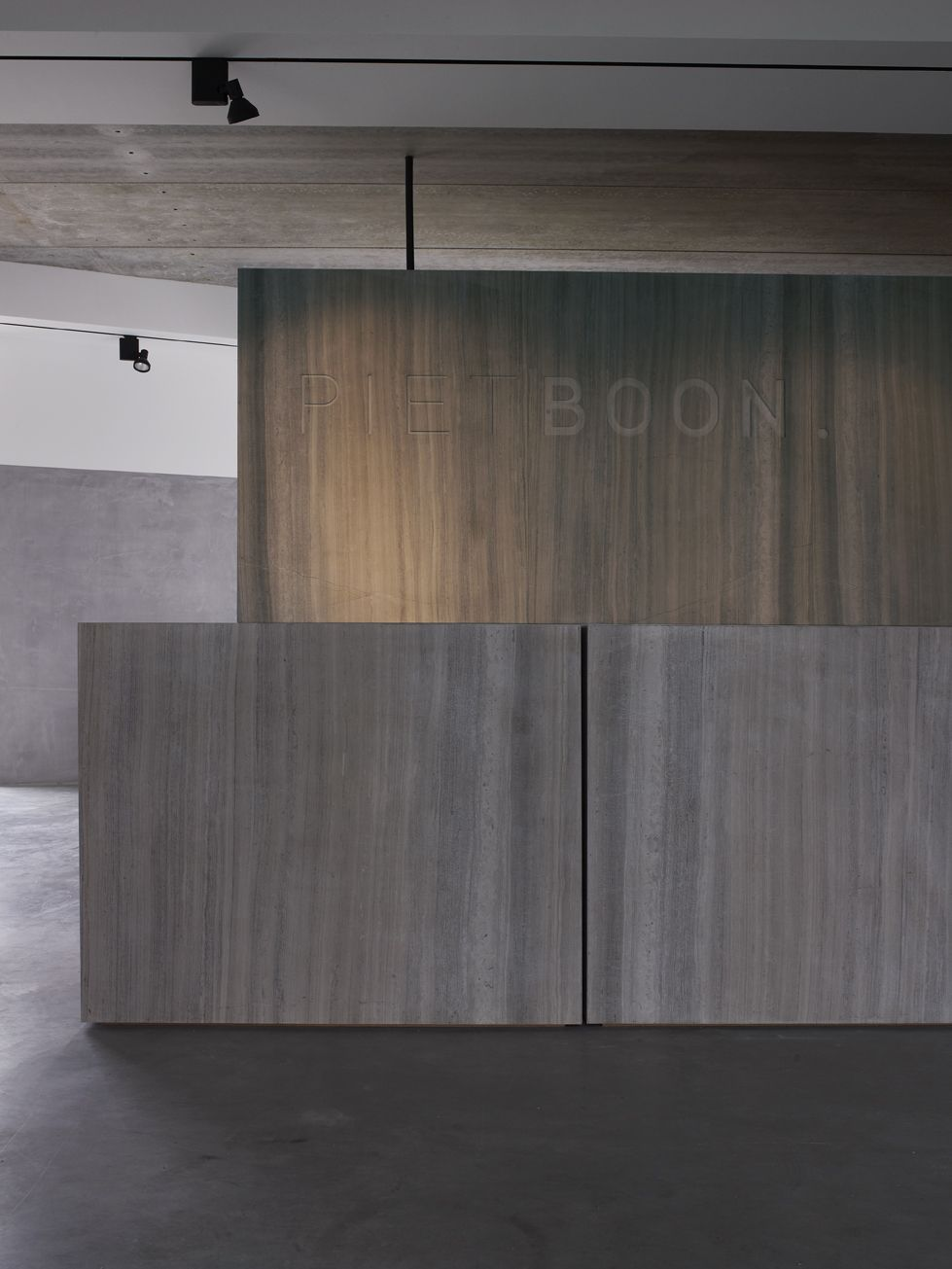 Reception area studio piet boon amsterdam interior for Industrial design amsterdam