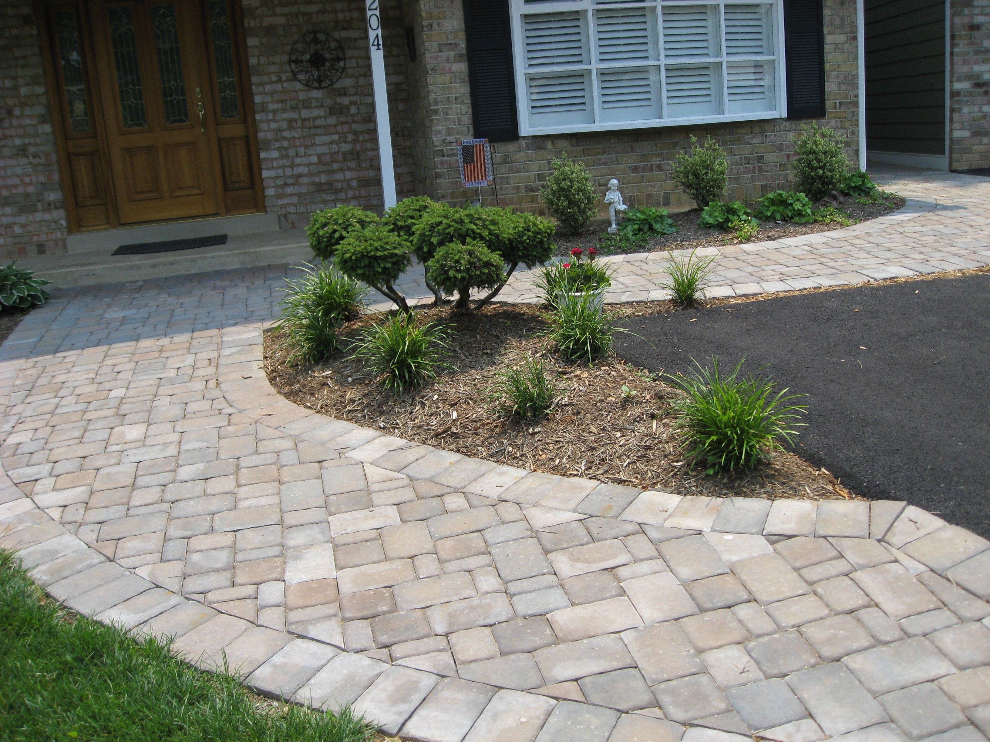 Paver walkway design garden advice for your home for Paved garden designs