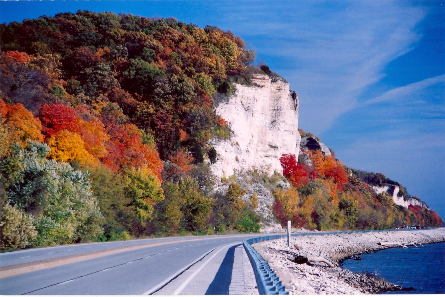 Matty Chuah Great River Road In Illinois During The Beautiful Fall
