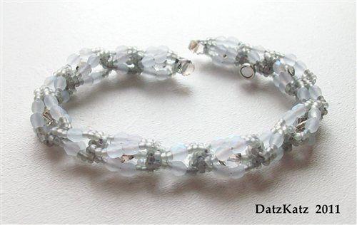 """""""Mist"""" bead weave bracelet - Beading Daily"""